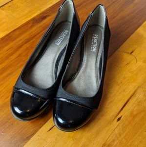 REACTION Kenneth Cole mini wedge flat shoes.